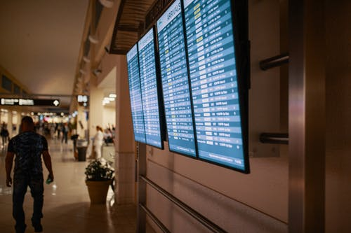 نصائح للحصول على تذاكر الطيران الرخيصة