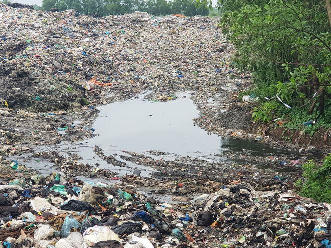 Phường 'mong' thành phố cử đoàn xuống kiểm tra ô nhiễm nguồn nước từ nhà máy rác