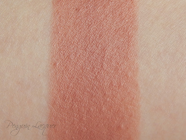 mur rose gold lipstick chaffeur swatch