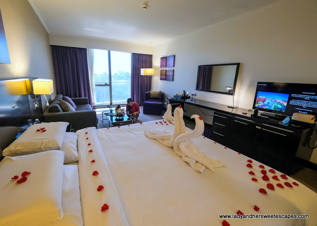 spacious family room in Pullman Hotel Dubai