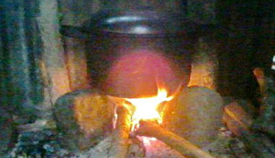 memasak air,dandang air,tungku segi tiga
