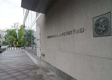 IMF warns of global economy decline