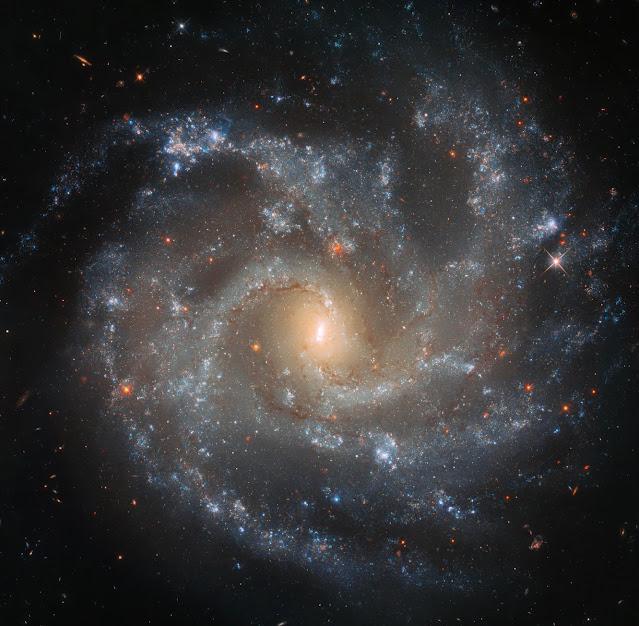 Galáxia ngc 5468