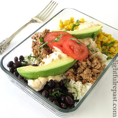 Burrito Bowls - Carne Molida Burrito Bowls / www.delightfulrepast.com