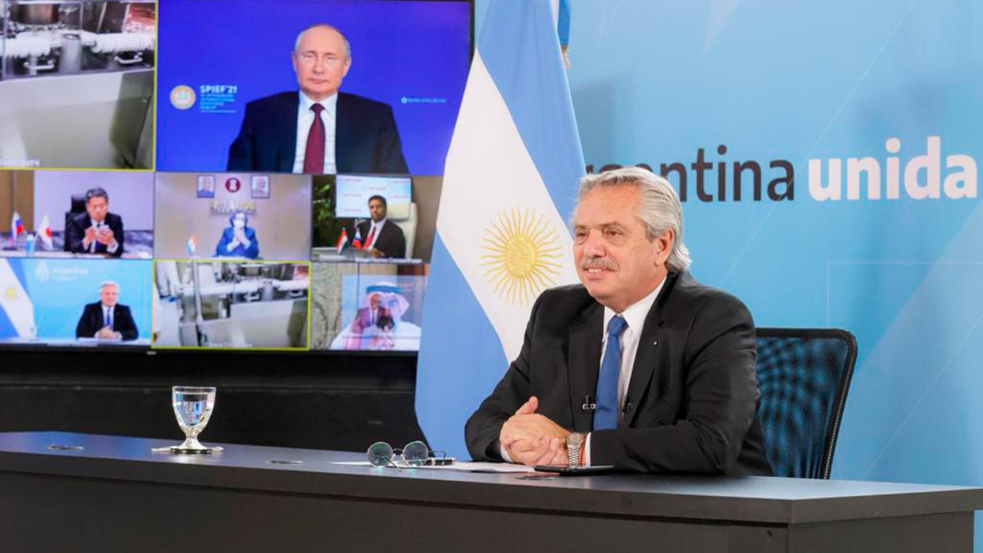 Junto a Vladimir Putin, Alberto Fernández anunció el inicio de la producción de la vacuna Sputnik V en Argentina
