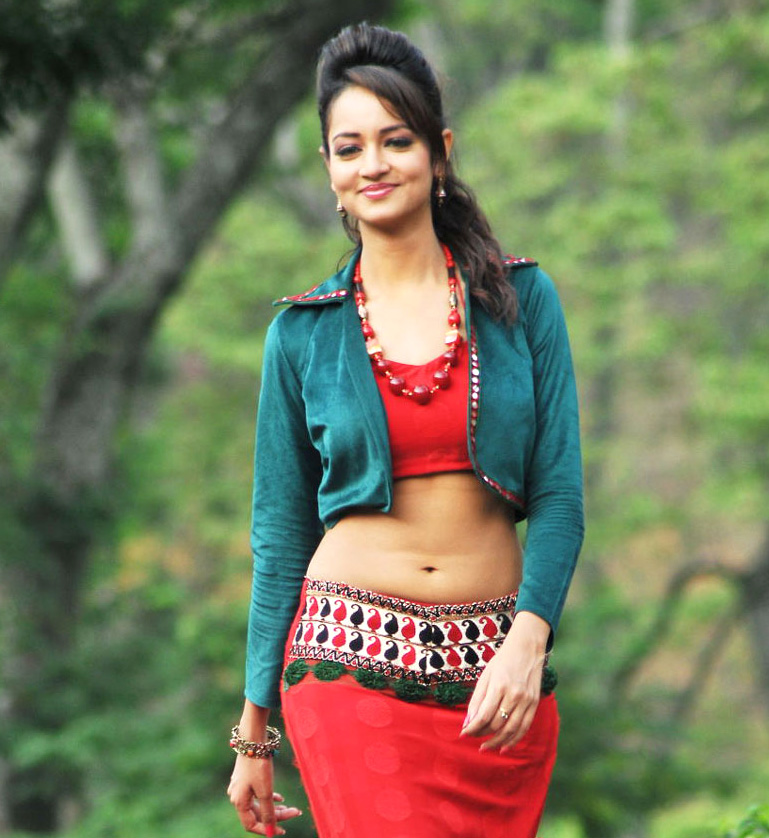 Actress Stills Hot Videos: Actress Shanvi