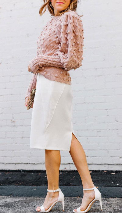 The holidays are here, these simple but cute festive outfit ideas are ready to help you shine glamorously in your upcoming Instagram photos. Holiday Fashion + Style via higiggle.com | Pink Jumper + Skirt Outfits | #holiday #skirt #sweater