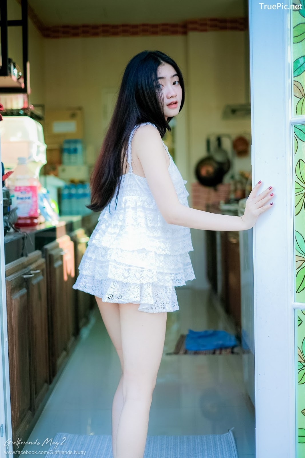 Image Thailand Model - Cholticha Intapuang - Sunsight on Backyard - TruePic.net - Picture-1