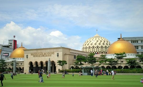 Objek Wisata Mesjid Raya Bandung