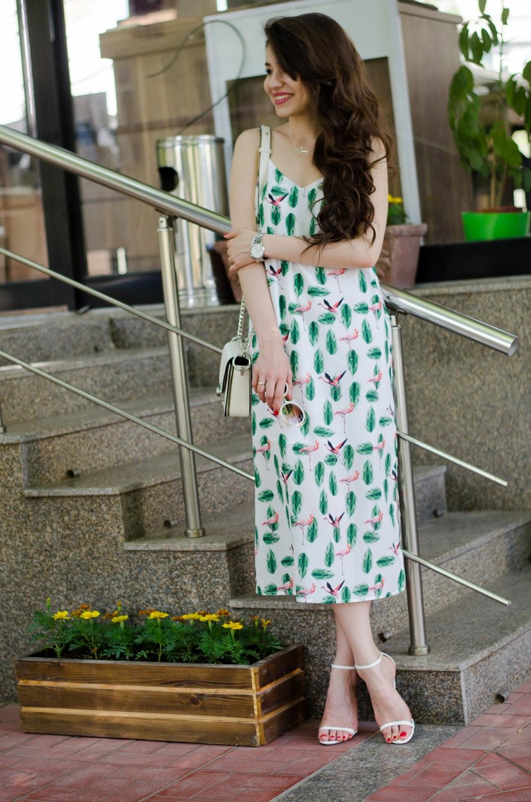 fashion blogger diyorasnotes diyora beta midi came dress white heels white bag streetstyle2017 spring outfit