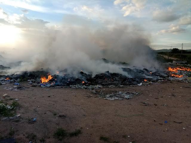 Antigo lixão  em Delmiro Gouveia é incendiado