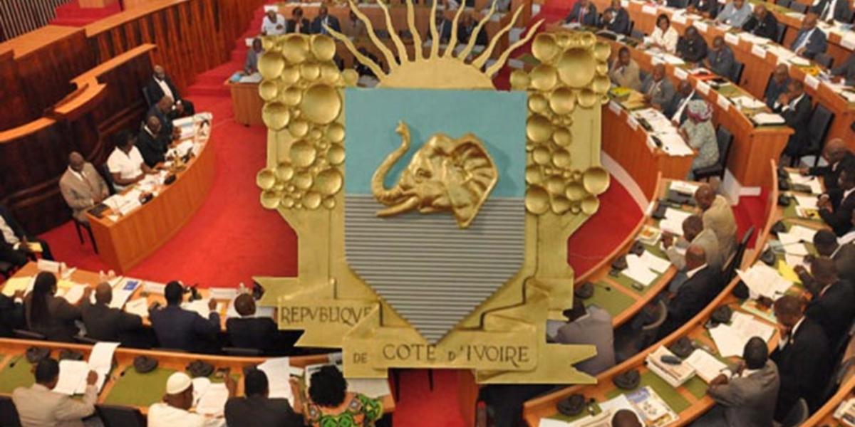 Actualité juridique : Deux nouvelles lois relatives à l'amélioration de la pension de retraite et au littoral
