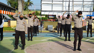 Tingkatkan imun, Personel Polres Luwu Timur laksanakan olahraga pagi