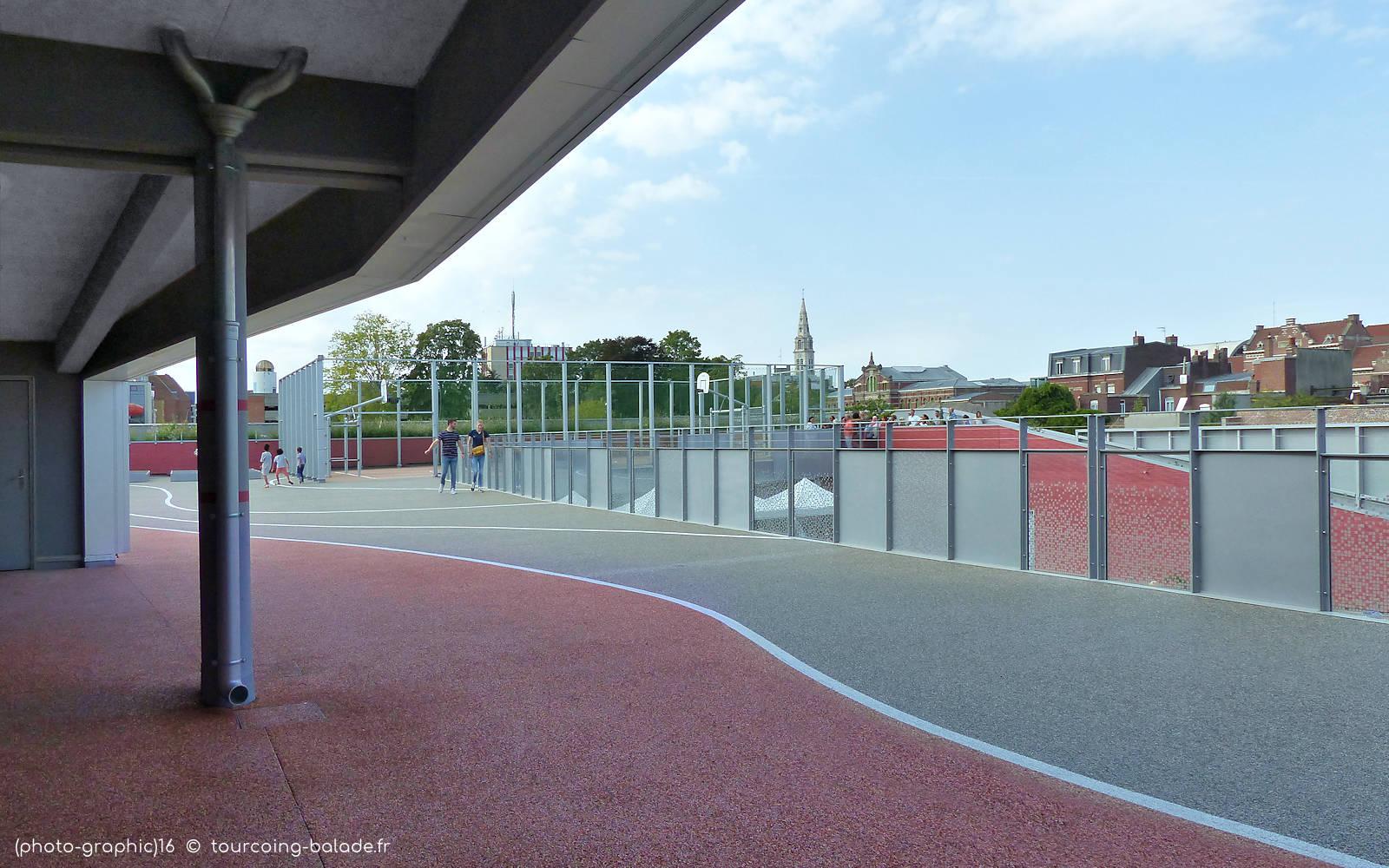 École Charles de Gaulle - Cour de récréation