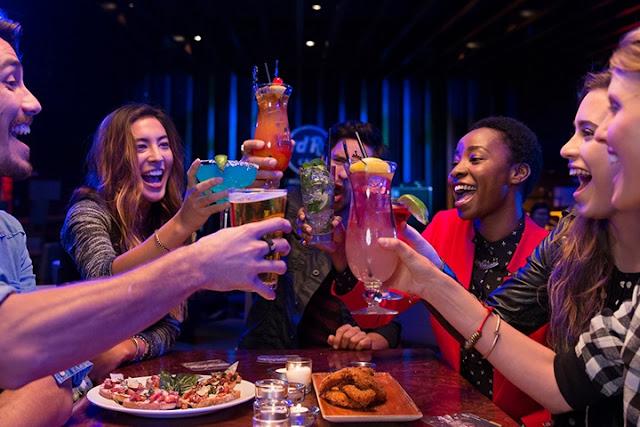 Bebidas e comidas no Hard Rock Cafe em Miami