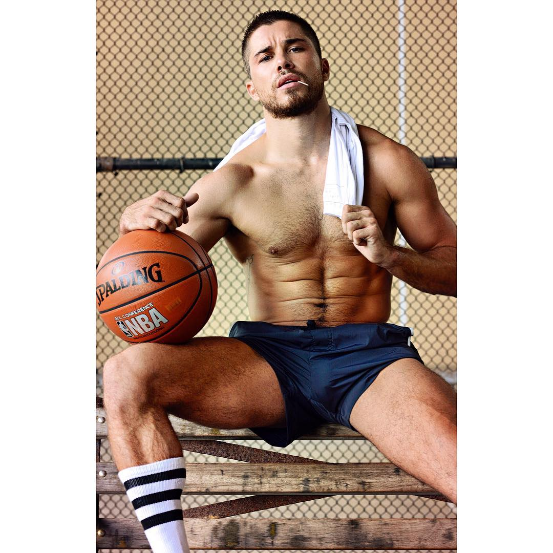 shirtless-fit-hot-jock-cheyanne-parker-young-manly-gay-sportsmen
