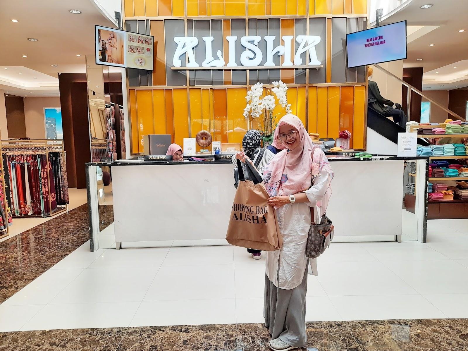 pengalaman belanja di ALisha Fancy Shop, wisata belanja produk muslim di Bandung, tempat belanja kekinian di Bandung, produk Alisha Fancy Bandung, Belanja di Alisha Fancy Shop Bandung, Cabang Alisha, Fasilitas Alisha Fancy Shop Bandung