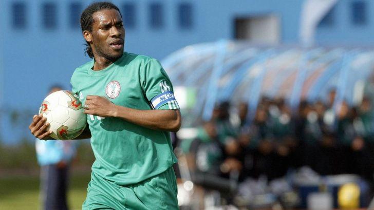 Top 10 Best African Midfielders Of All Time