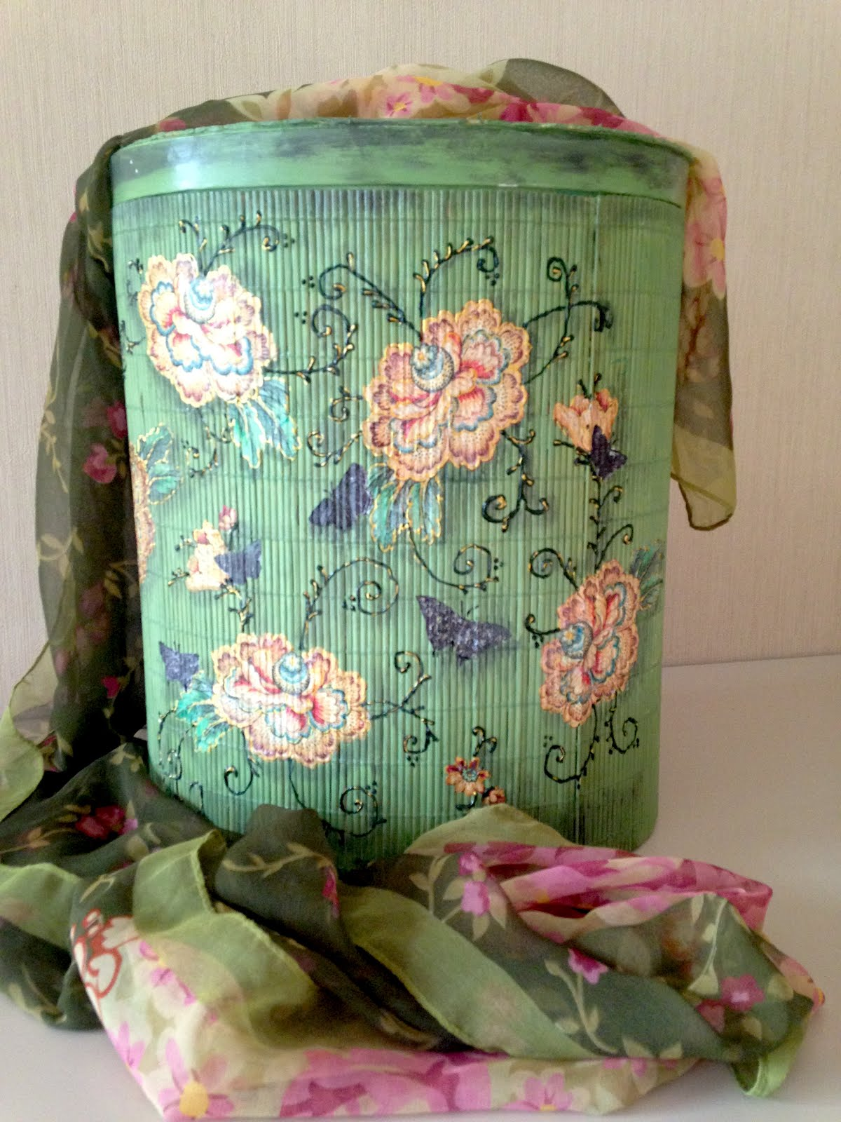 Caja Decorada con Decoupage sobre Esterilla de Bambú ~ Disfruta Creando