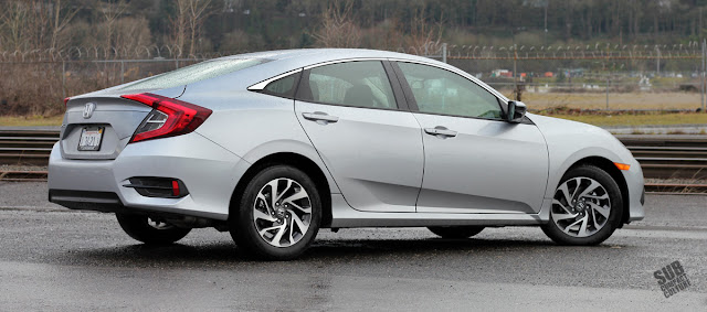 2016 Honda Civic 2.0 EX SENS - Rear
