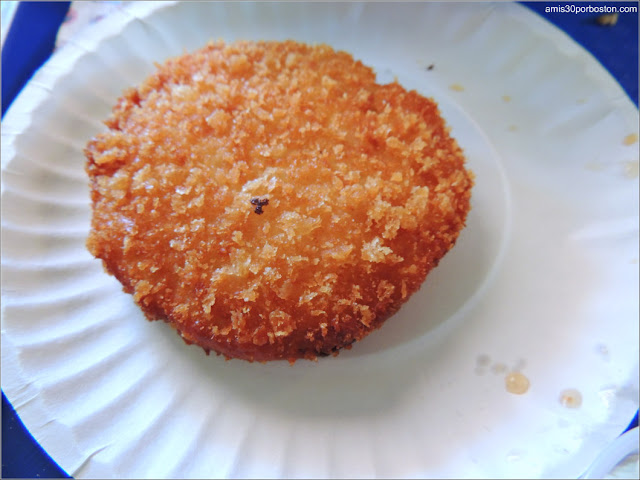 Crab Cake de la Clam Box in Ipswich, Massachusetts