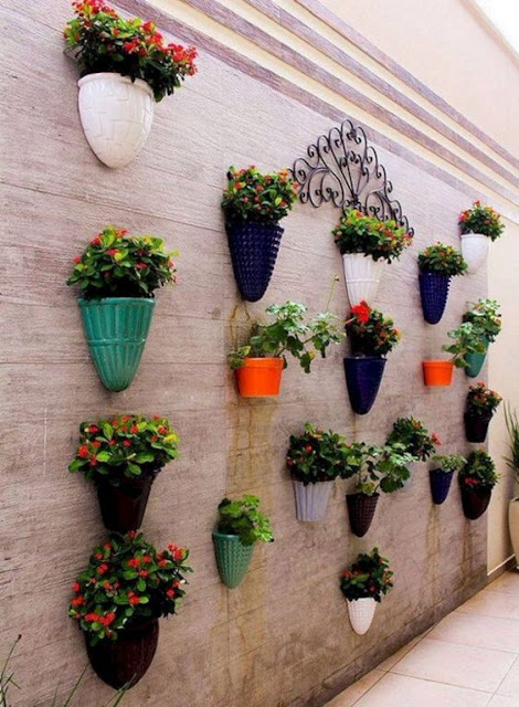 06. Desain taman minimalis vertikal garden