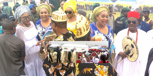 [PHOTOS] Anambra First Lady, Ebele Obiano Buries Step-father in Style