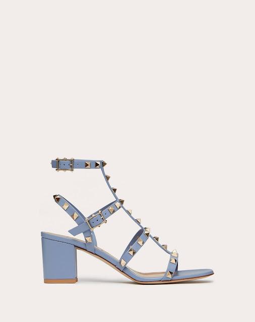 outfit sandali azzurri tendenza sandali azzurri estate 2021 tendenze scarpe estate 2021 shoes trend shoes summer trend light blue sandals street style  fashion blogger colorblock by felym