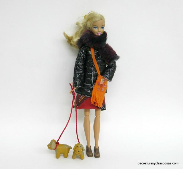 como hacer anorak acolchado para muñeca barbie