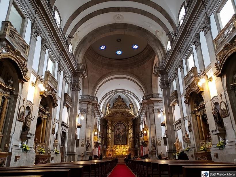 Interior da Igreja da Santíssima Trindade - O que fazer no Porto, Portugal