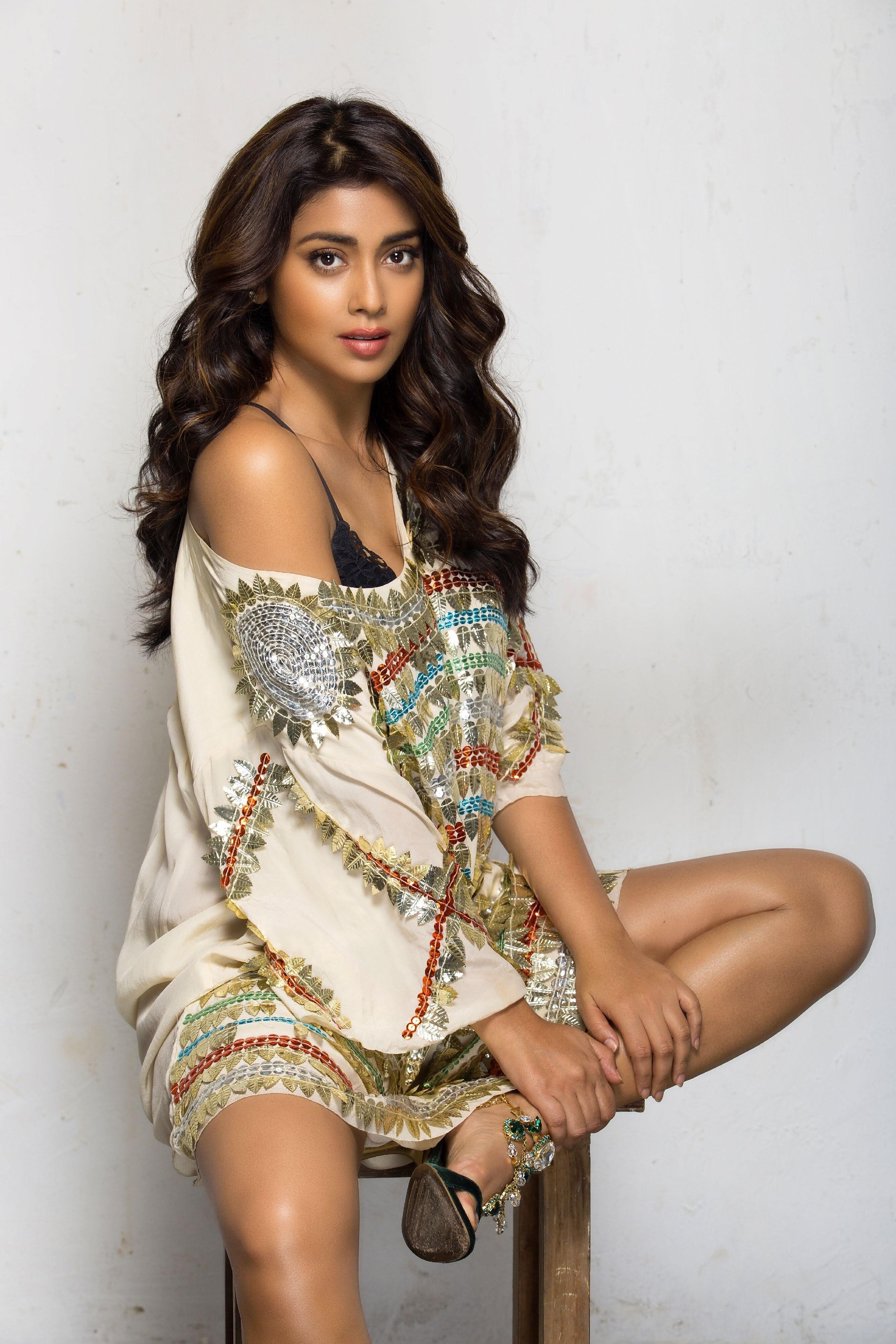 Shriya Saran Latest UHD 4K Images
