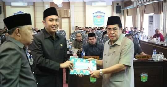 Ketua DPRD Fikar Azami Pimpin Paripurna KUA-PPAS 2019