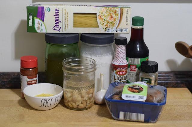 The ingredients needed to make the vegan carbonara.