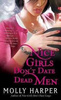 Las chicas buenas no salen con muertos – Molly Harper