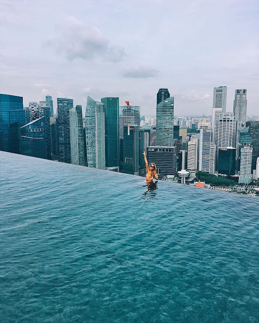 Beautiful capture of Singapore Infinity Pool