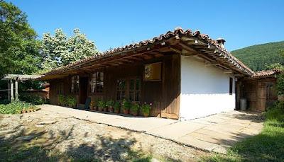 къщи в Жеравна