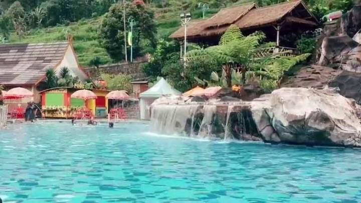 Tempat Wisata Pemandian Air Panas Ciwidey