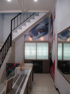 Etalase Display Interior Toko Plus Branding Merek (Etalase Display)