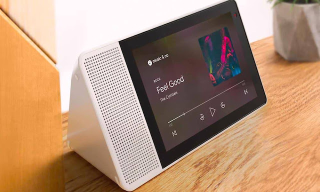 Google to Launch All-New Smart Speaker with Touchscreen This Year