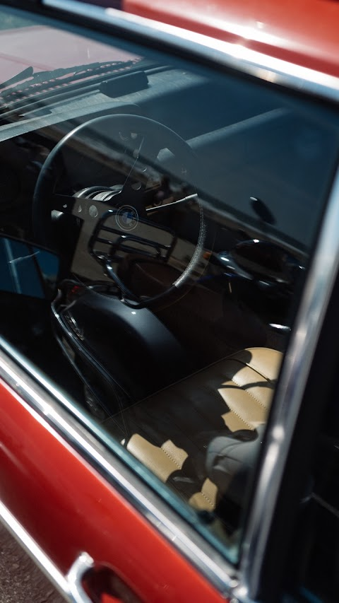 Bên Trong Nội Thất Của Xe BMW
