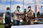 Empat Orang Milisi Serahkan Senjata AK-47 Ke Satgas RDB MONUSCO