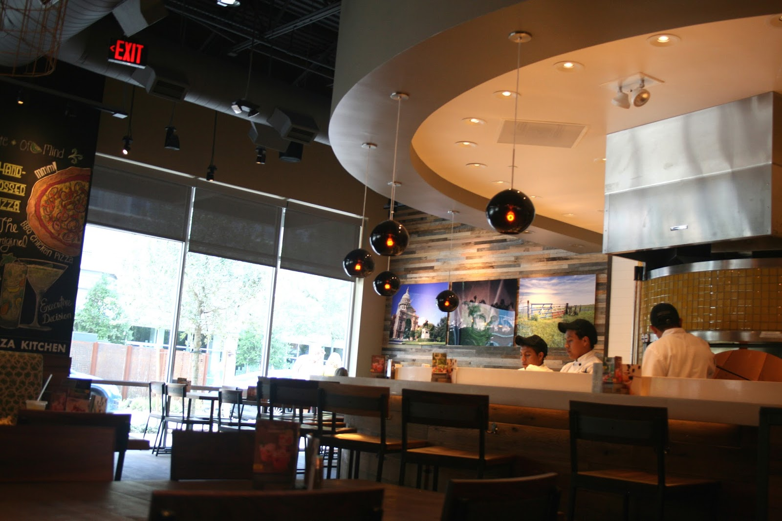 Tremendous Annie A La Mode Lunch At California Pizza Kitchen New Home Interior And Landscaping Eliaenasavecom