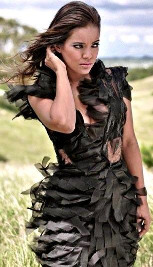 Foto de Wida López con vestido negro