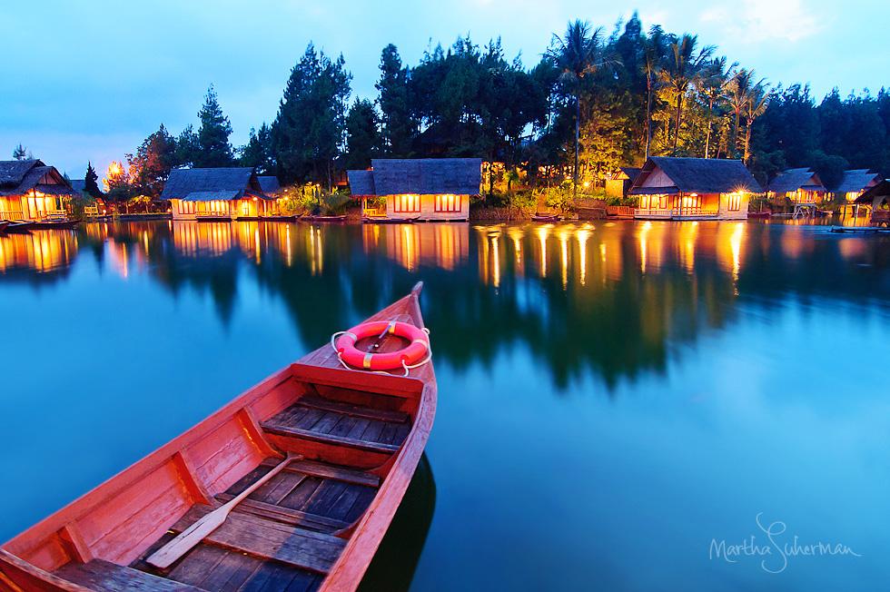 Kampung Sampireun Garut - 10 Rekomendasi Tempat Bulan Madu Romantis