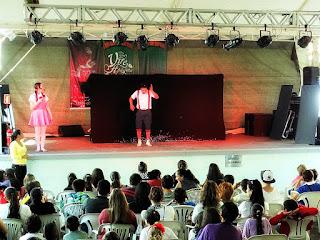 Apresentação Teatral Infantil na Feira do Livro de Santa Maria (RS)
