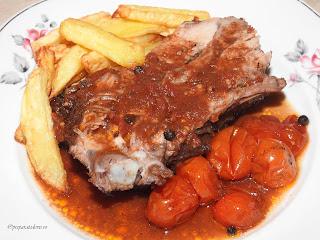 Friptura de porc la cuptor cu sos de rosii reteta,