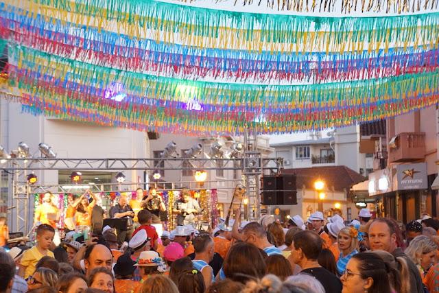 Carnaval Retrô em Garibaldi, na Serra Gaúcha: uma festa de Carnaval de rua à moda antiga