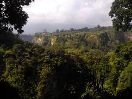 25 Tempat Wisata di Bukittinggi, Rugi Jika Dilewatkan