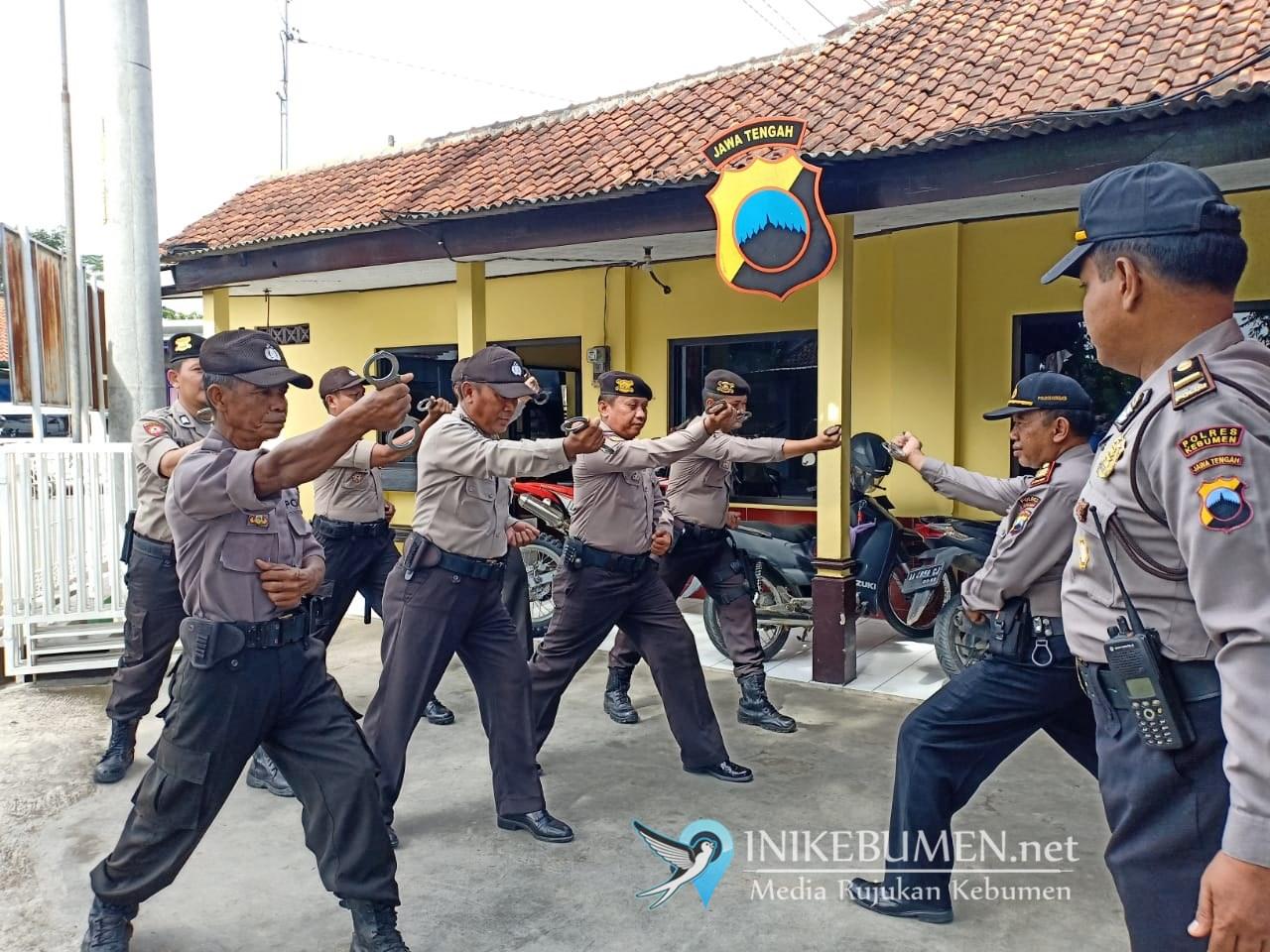 Jelang Pilbup Kebumen, Seluruh Polsek di Kebumen Gelar Latihan Beladiri