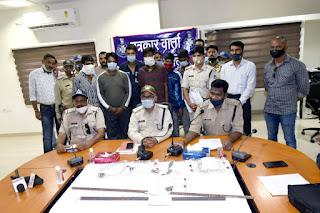 पेट्रोल पंप लूट की योजना बनाते हुए 6 बदमाश पुलिस के हत्थे चढ़े